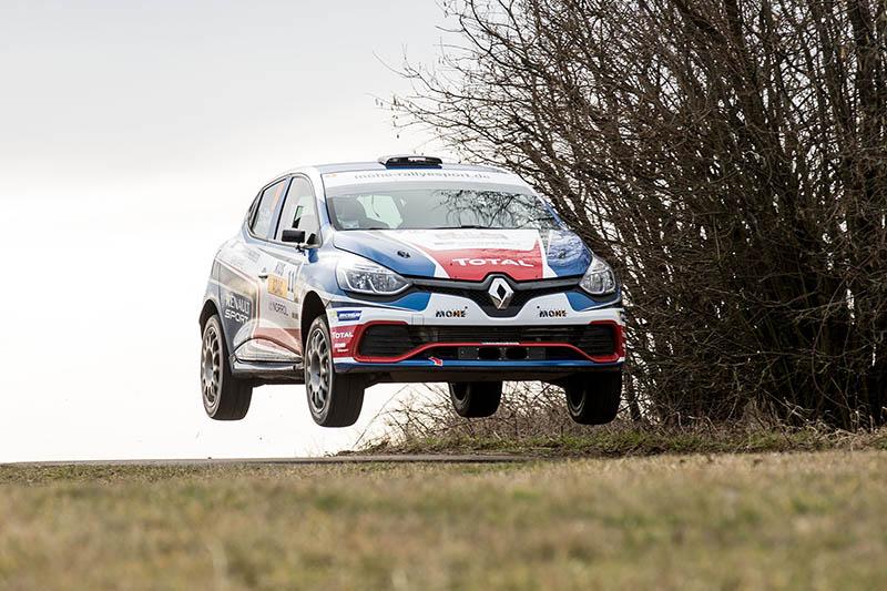 Gelungener Auftakt: Renault Clio R3T-Duo Carsten Mohe/Alexander Hirsch startet mit Klassensieg in die Saison